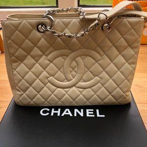 Chanel beige Claire GST silver caviar tote